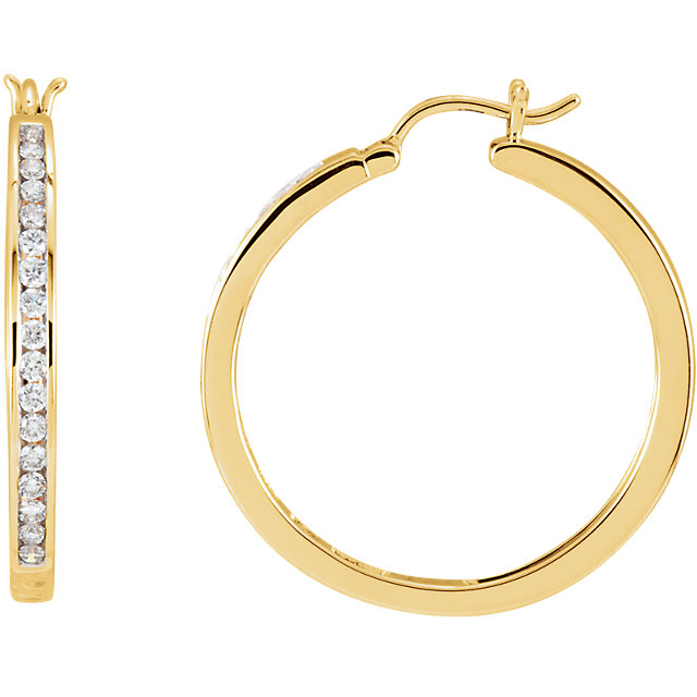 Chic 14 Karat Yellow Gold 0.50 Carat Total Weight Diamond Hoop Earrings