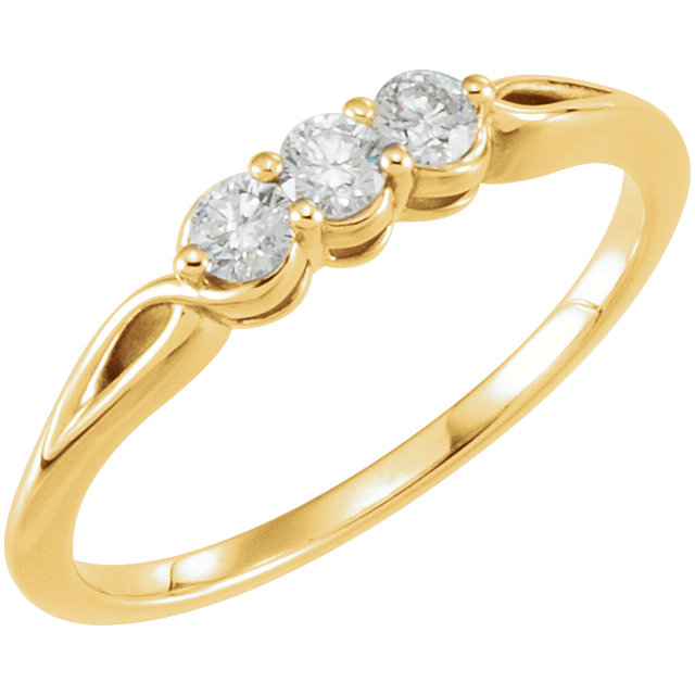 Great Deal in 14 Karat Yellow Gold 0.25 Carat Total Weight Diamond Three-Stone Ring