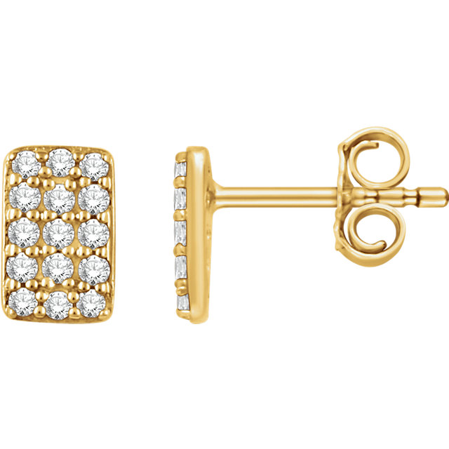 Quality 14 KT Yellow Gold 0.20 Carat TW Diamond Cluster Earrings
