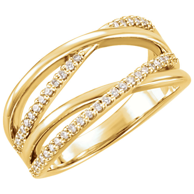 Must See 14 KT Yellow Gold 0.20 Carat TW Diamond Ring