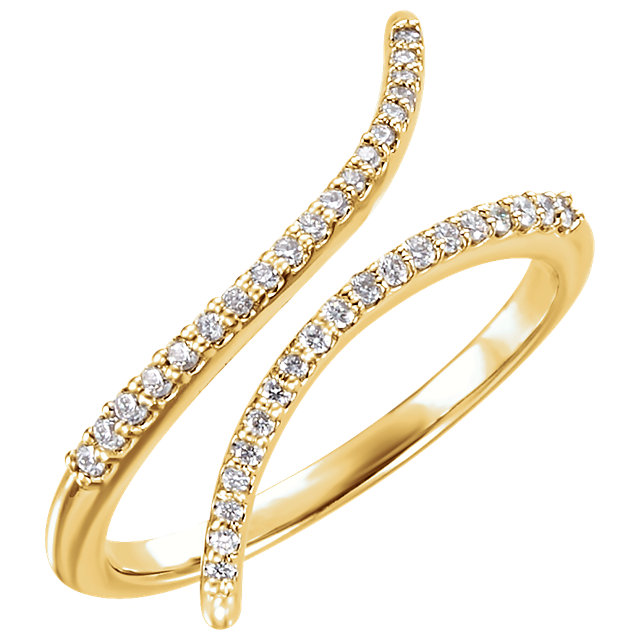 14 KT Yellow Gold 0.17 Carat TW Diamond Ring