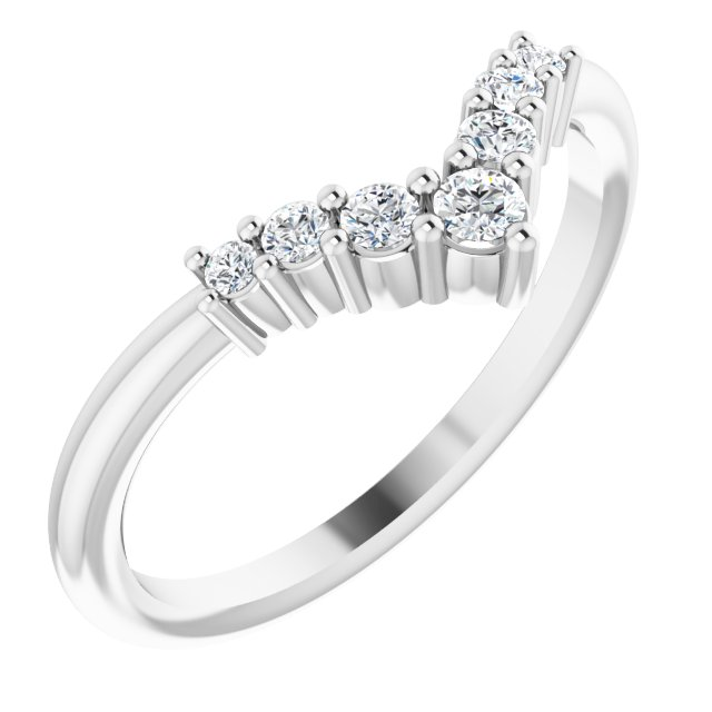 White Diamond Ring in 14 Karat White Gold Diamond Graduated