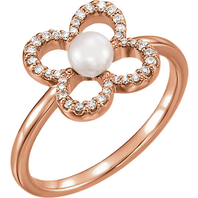 Great Gift in 14 Karat Rose Gold Freshwater Cultured Pearl & 0.17 Carat Total Weight Diamond Ring