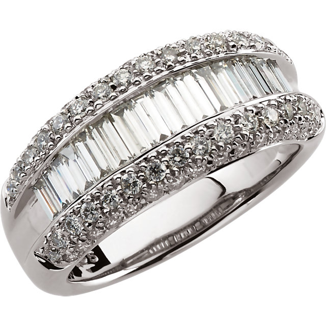 14KT White Gold 1 1/2 CTW Diamond Ring Size 8.25