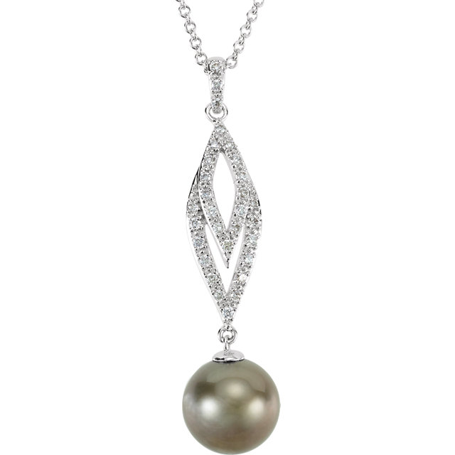 Contemporary 14 Karat White Gold Tahitian Cultured Pearl & 0.20 Carat Total Weight Diamond 18