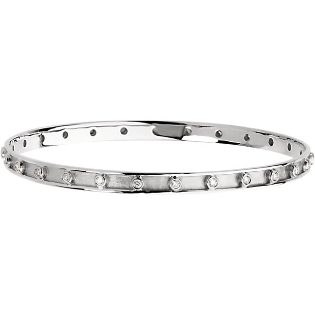 Amazing 14 Karat White Gold 3/4 Carat Total Weight Round Genuine Diamond Bangle Bracelet