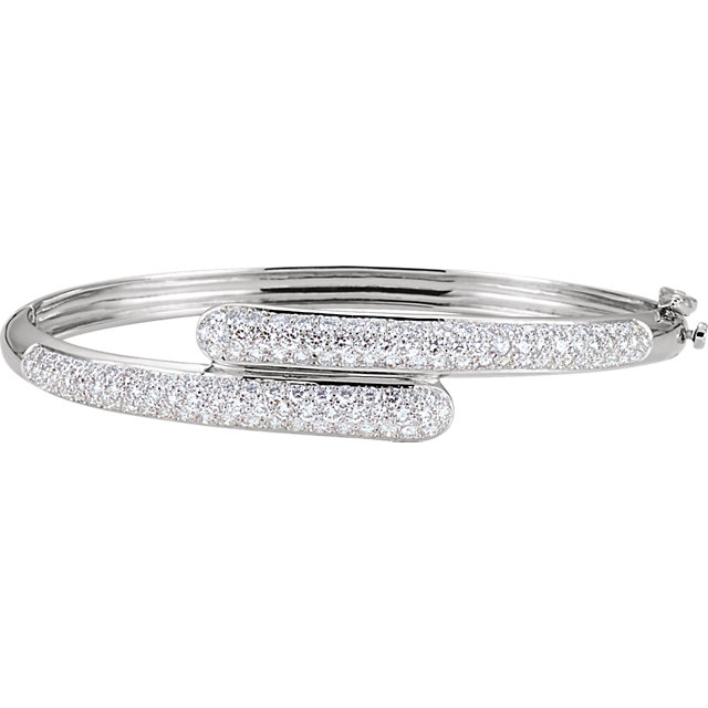 Stylish 14 Karat White Gold 3 Carat Total Weight Round Genuine Diamond Bangle Bracelet