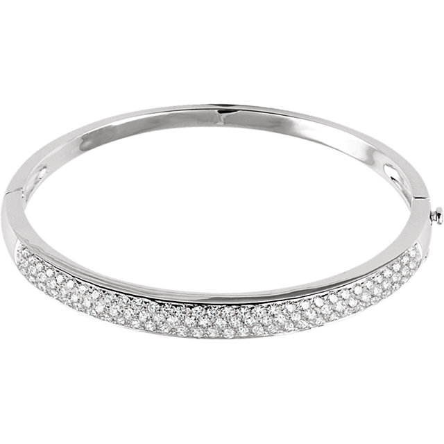 Appealing Jewelry in 14 Karat White Gold 3 Carat Total Weight Diamond Pave' Bracelet