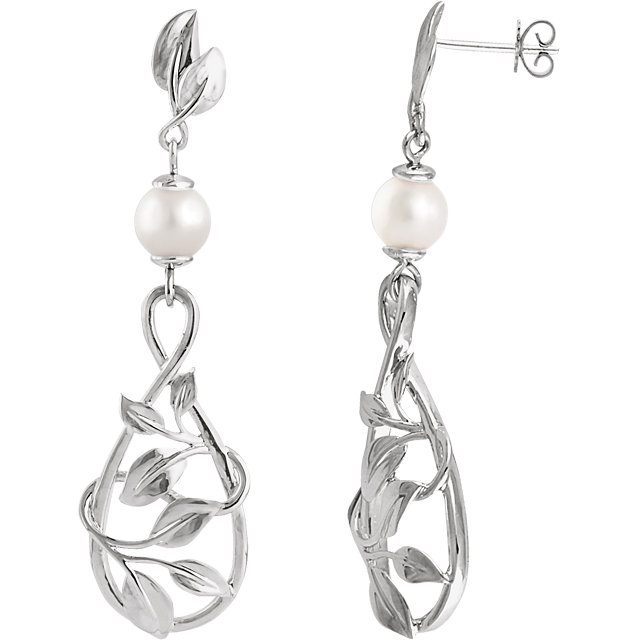 Gorgeous 14 Karat White Gold 6mm Freshwater Cultured Pearl Earrings