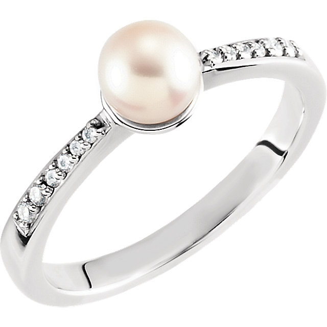 Perfect Jewelry Gift 14 Karat White Gold Freshwater Cultured Pearl & .07 Carat Total Weight Diamond Ring