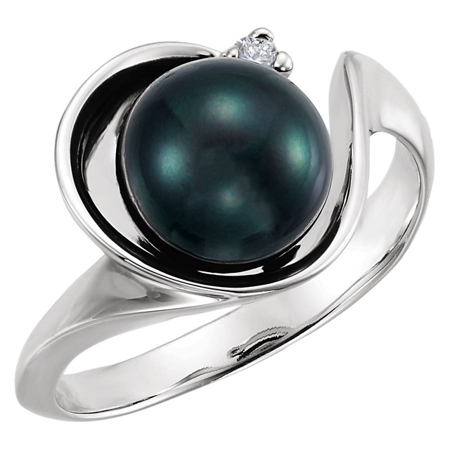 Appealing Jewelry in 14 Karat White Gold Akoya Cultured Pearl & .03 Carat Total Weight Diamond Ring
