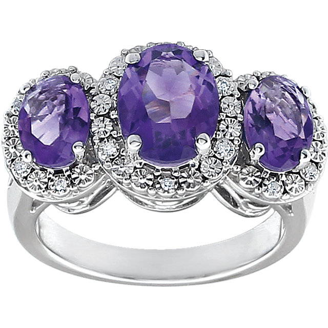 Excellent 14 Karat White Gold Oval Genuine Amethyst & .04 Carat Total Weight Diamond Ring