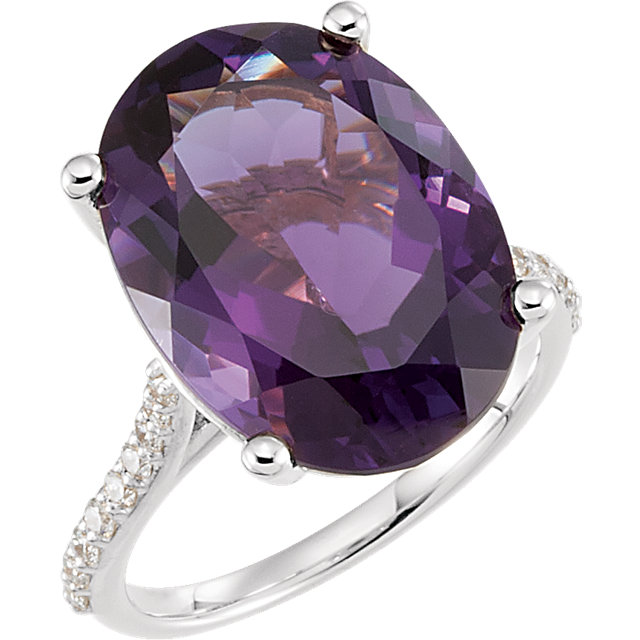Beautiful 14 Karat White Gold Amethyst & 0.25 Carat Total Weight Diamond Ring