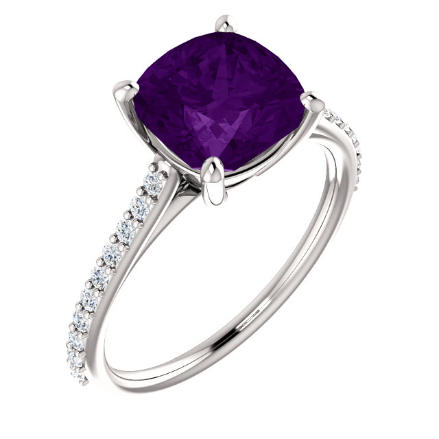 Appealing Jewelry in 14 Karat White Gold Amethyst & 0.20 Carat Total Weight Diamond Ring