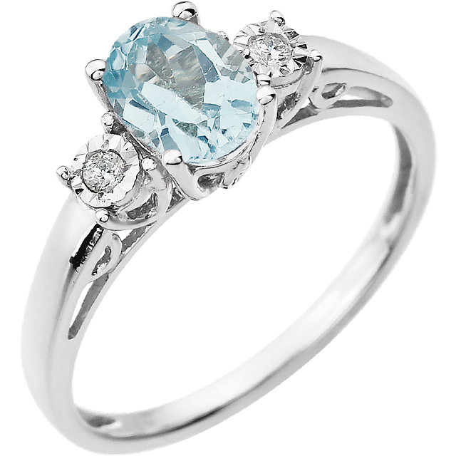 Beautiful 14 Karat White Gold Aquamarine & .04 Carat Total Weight Diamond Ring