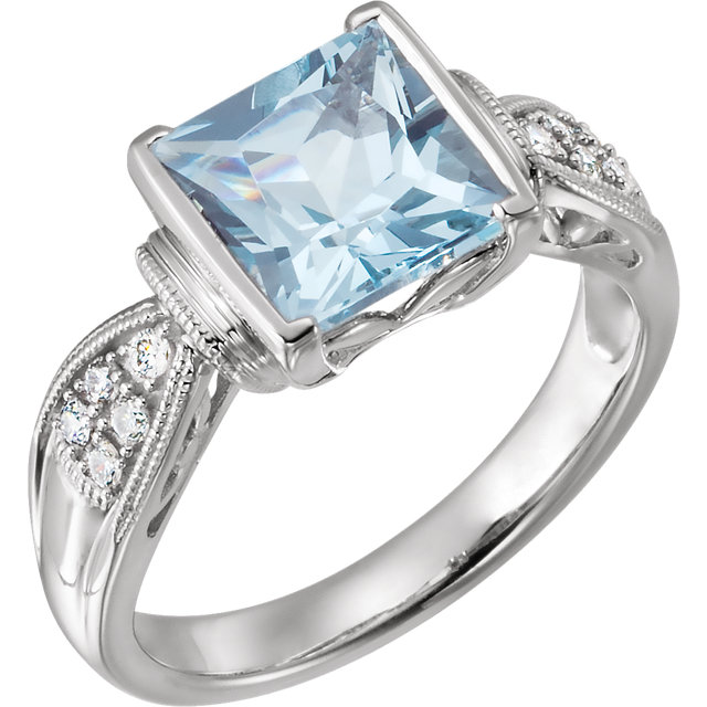 Easy Gift in 14 Karat White Gold Aquamarine & 0.12 Carat Total Weight Diamond Ring