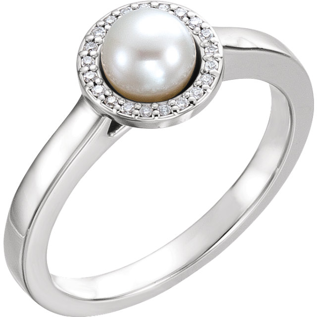Quality 14 KT White Gold Freshwater Cultured Pearl & .05 Carat TW Diamond Halo-Style Ring