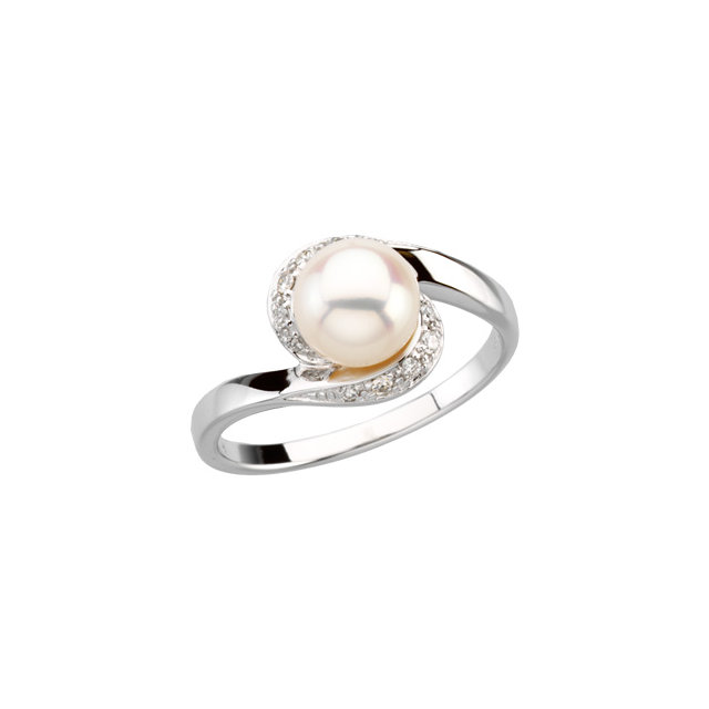 Great Deal in 14 Karat White Gold Freshwater Cultured Pearl & 0.10 Carat Total Weight Diamond Ring
