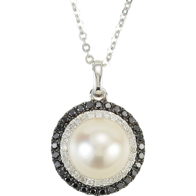 Perfect Gift Idea in 14 Karat White Gold Freshwater Cultured Pearl & 0.25 Carat Total Weight Black & White Diamond 18