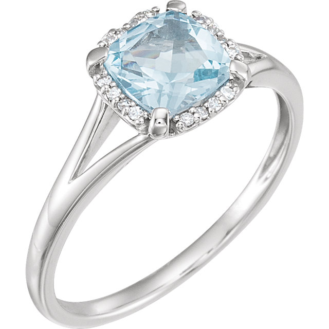 Very Nice 14 Karat White Gold Sky Blue Topaz & .05 Carat Total Weight Diamond Ring