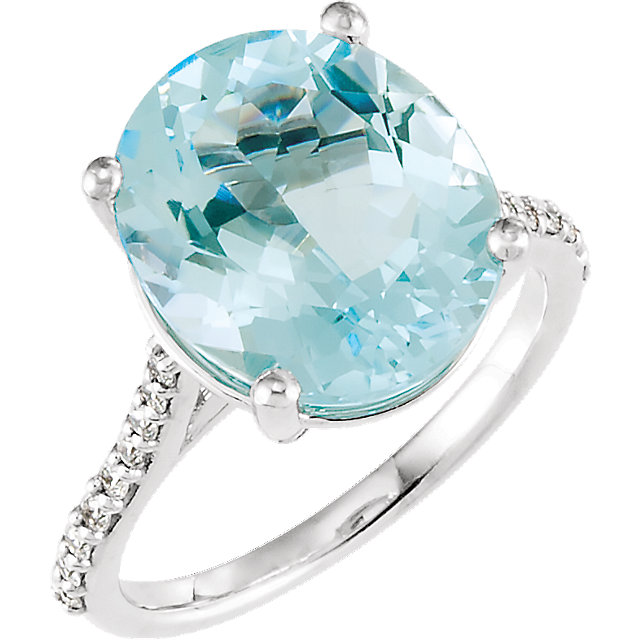Easy Gift in 14 Karat White Gold Sky Blue Topaz & 0.25 Carat Total Weight Diamond Ring