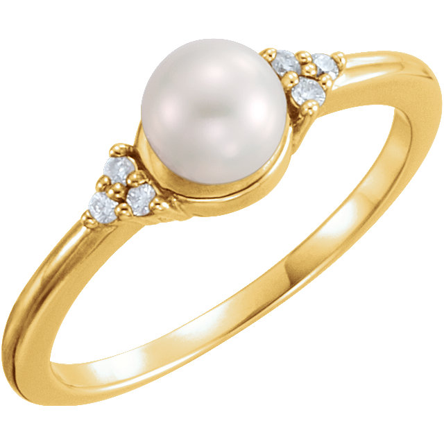 Fine 14 KT Yellow Gold 5.5-6mm Freshwater Cultured Pearl & .06 Carat TW Diamond Ring