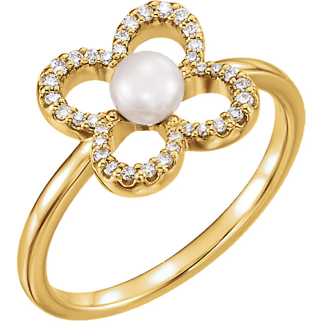 Easy Gift in 14 Karat Yellow Gold Freshwater Cultured Pearl & 0.17 Carat Total Weight Diamond Ring
