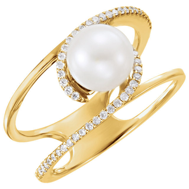 Genuine 14 KT Yellow Gold Freshwater Cultured Pearl & 0.12 Carat TW Diamond Ring
