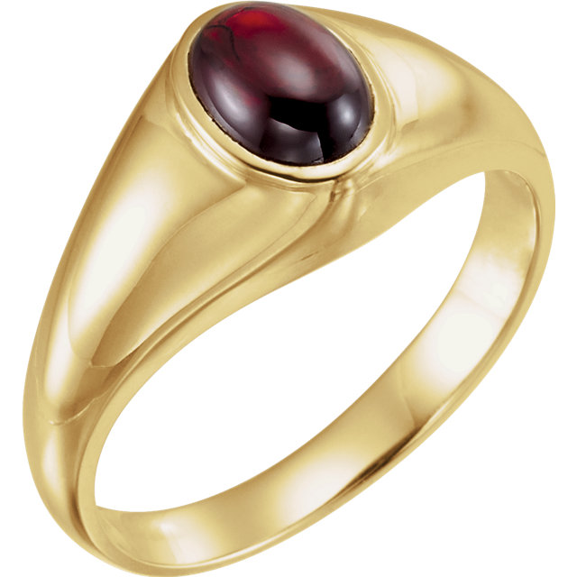 Stylish 14 Karat Yellow Gold Oval Genuine Mozambique Garnet Ring