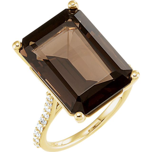 Fine Quality 14 Karat Yellow Gold Smoky Quartz & 0.25 Carat Total Weight Diamond Ring