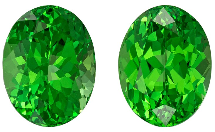 Exceptional Green Tsavorite Garnet Matched Pair in 4.68 carats, Oval shape gems, 8.8 x 6.8  mm
