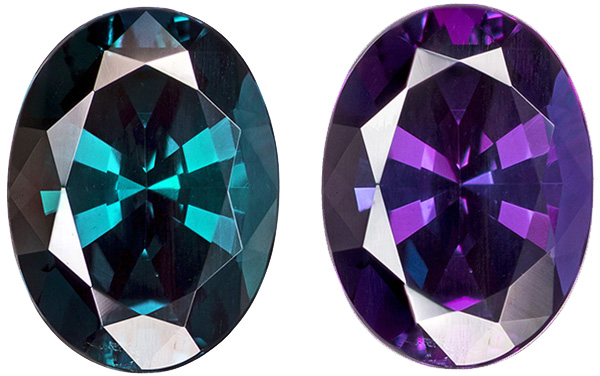 Alexandrite Loose Gemstone with Gubelin Certificate, 100% Dramatic Change from Vivid Teal to Rich Eggplant, 7.7 x 5.7 mm, 1.17 carats
