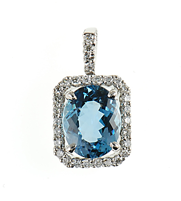 Amazing Oval Cut Aquamarine & Diamond pendant in 18kt white gold for SALE - SOLD