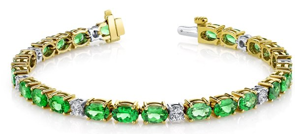 Beautiful 18kt White & Yellow Gold 4x6mm Oval Tsavorite Garnet Bracelet With Diamond Accents