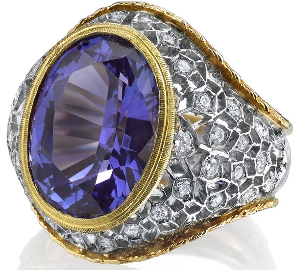 Eye Catching Handmade 2-Tone 18kt Gold Ring With Large 8.25ct Oval Tanzanite Gem & Diamond Accents