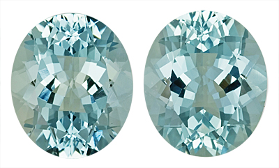 Fine Faceted Pair of Gorgeous Light Blue Aquamarine Natural Gemstones, Oval Cut, 11.71 carats,