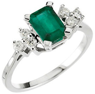 Stunning Genuine Emerald & Diamond Ring