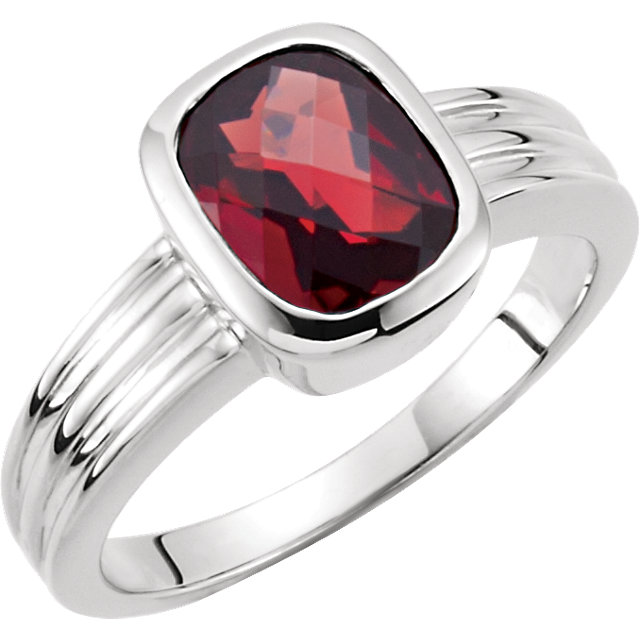 Contemporary Genuine Mozambique Garnet Ring