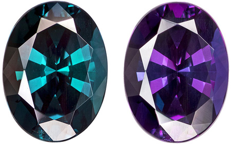 Gubelin Certified 7.7 x 5.7 mm Alexandrite Genuine Gemstone in Oval Cut, Strong Color Change, 1.17 carats