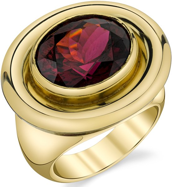 Luxurious Hand Crafted 18kt Yellow 10.26ct Oval Rhodolite Garnet Ring