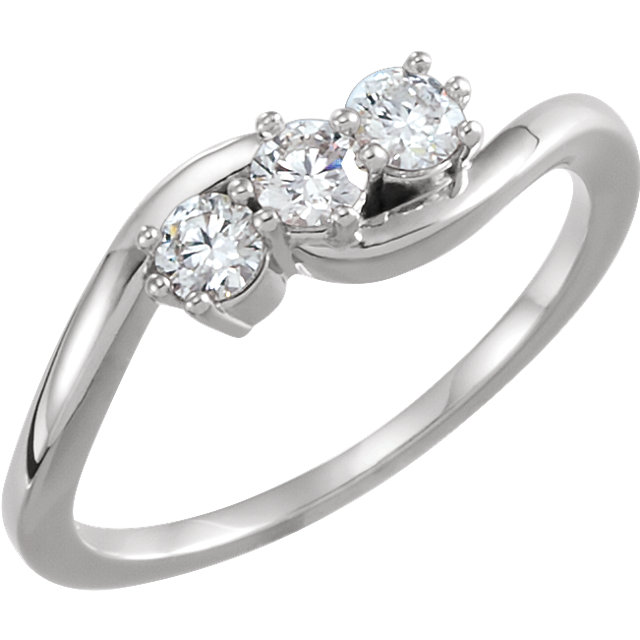 Jewelry Find Platinum 0.33 Carat TW Diamond Three-Stone Ring