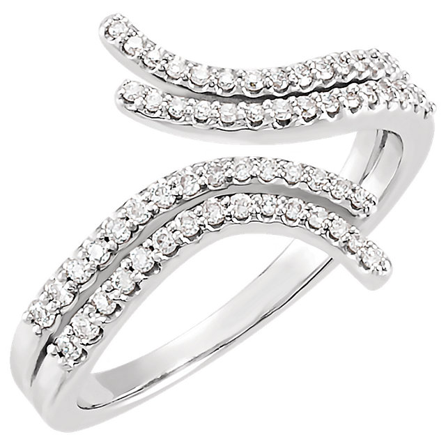 Quality Platinum 0.25 Carat TW Diamond Bypass Ring