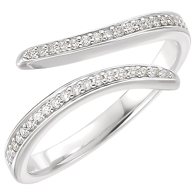 Fine Platinum 0.17 Carat TW Diamond Ring