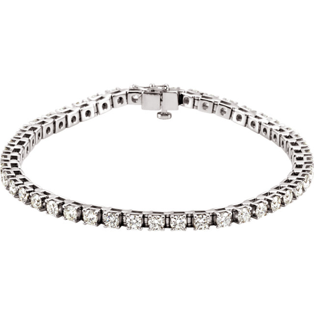 Graceful Platinum 4 1/2 Carat Total Weight Diamond Line Bracelet