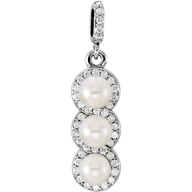 Great Gift in Platinum Freshwater Cultured Pearl & 0.20 Carat Total Weight Diamond Pendant
