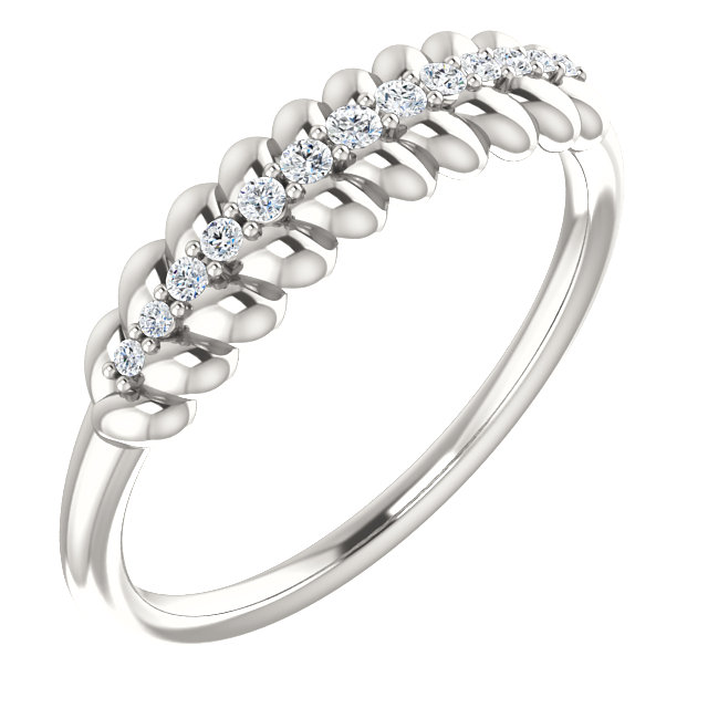 Eye Catchy Sterling Silver 0.10 Carat Total Weight Diamond  Rope Ring