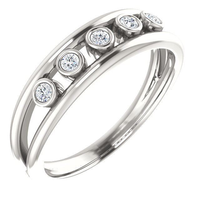 Eye Catchy Sterling Silver 0.12 Carat Total Weight Diamond Negative Space Ring