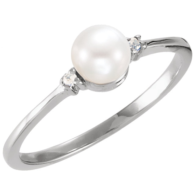 Chic Sterling Silver Freshwater Cultured Pearl & .025 Carat Total Weight Diamond Ring