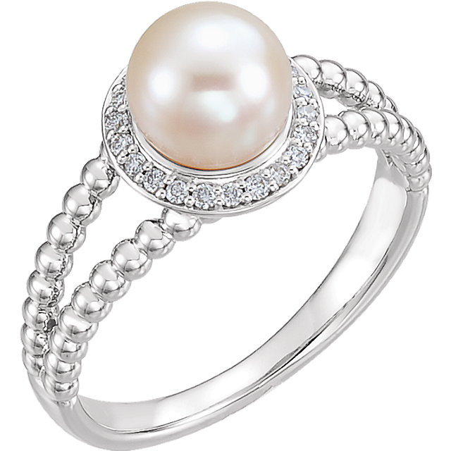 Must See Sterling Silver Freshwater Cultured Pearl & 0.12 Carat Total Weight Diamond Ring
