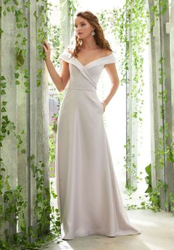 Mori Lee BRIDESMAID DRESSES: Mori Lee 21605